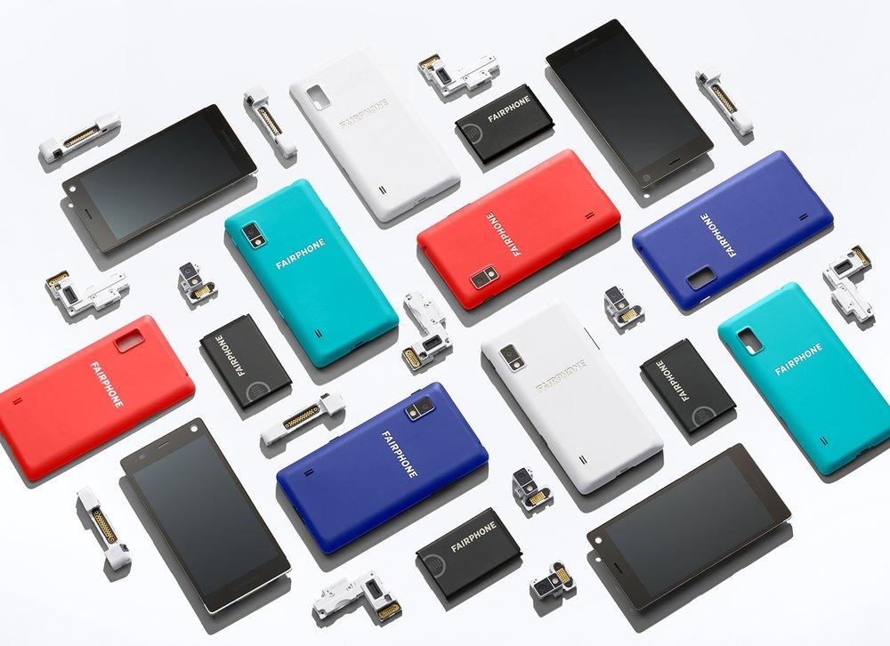 FAIRPHONE - Fairphone is veruit het meest innovatieve product in de duurzame electronica markt: een mobiel gemaakt met een primaire focus op duurzaamheid, recyclebaarheid, en met eerlijke productie. Toevallig is 't ook nog een Nederlands bedrijf. Dubbel leuk! Ze hebben al 150.000 klanten en zijn klaar voor de volgende stap. Help mee om deze positieve impact verder te verspreiden!