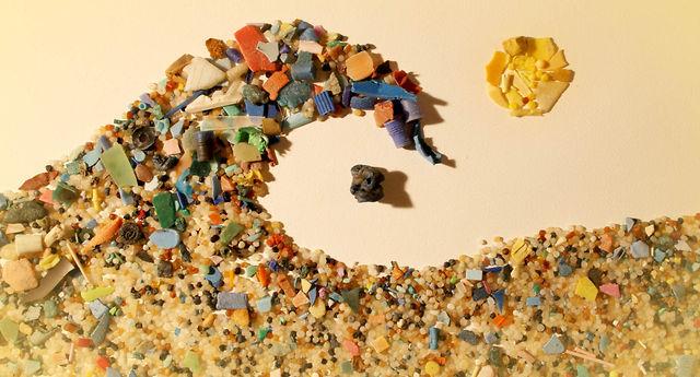 """Microplastics in ontlasting - """"Microplastics zitten ook in menselijke uitwerpselen. Wetenschappers vermoedden dit al, maar onderzoek heeft dit voor het eerst bevestigd."""" Wij staan er niet van te kijken, maar vinden het wel heftig nieuws. Als we oceanen vervuilen met microplastics, krijgen we het uiteindelijk weer terug op ons eigen bord. Laat dit een wake up call zijn voor diegene die nog niet wakker waren!"""