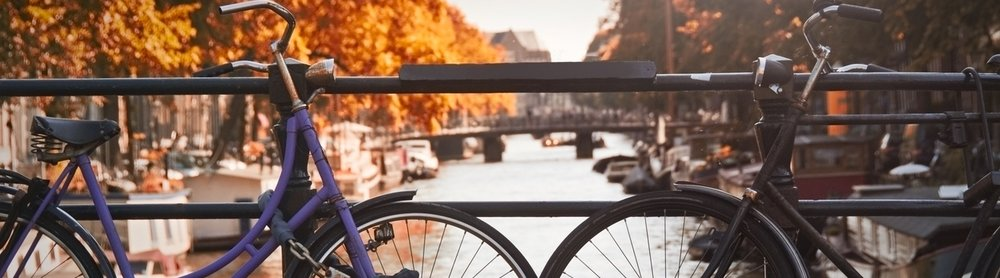 Canal view bikes amsterdam.jpg