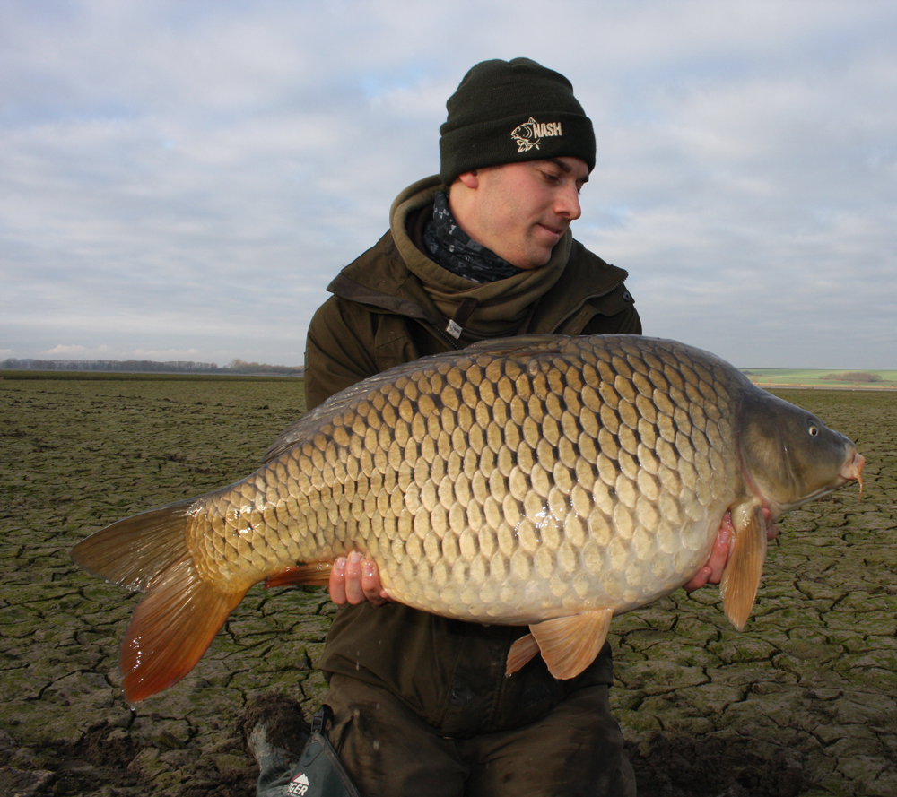Mario with a stunning common, only one fish in 12 hours of action.