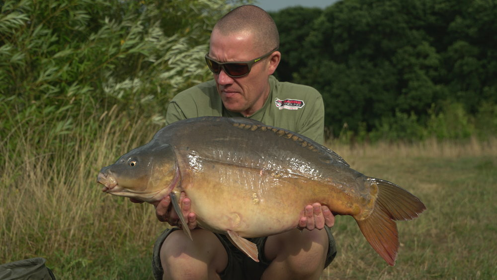 We got proceedings under way with this mega 24lb 4oz mirror