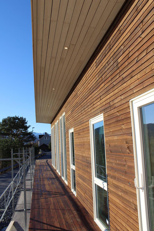 Stilrein fasade med MøreRoyal-kledning frå MøreTre AS