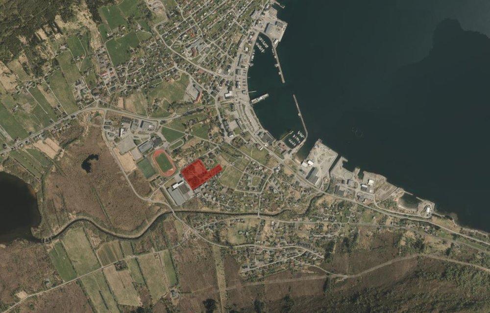 flyfoto Hareid sentrum, byggjefelt merka raudt