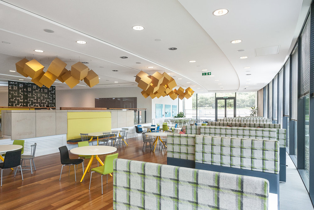Interior design edinburgh rbs gogarburn amos beech for Office design edinburgh