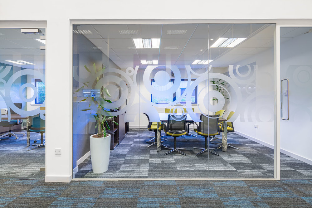 glass dividing  wall meeting rooms.jpg