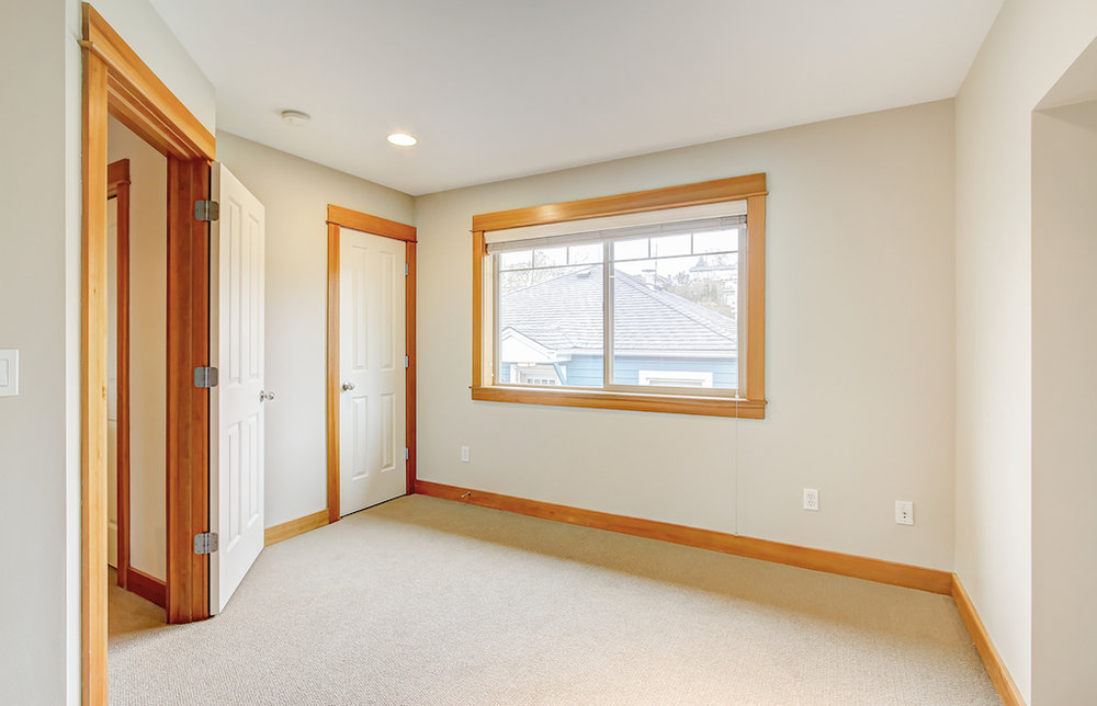 6051 Fauntleroy Way SW-4.jpg