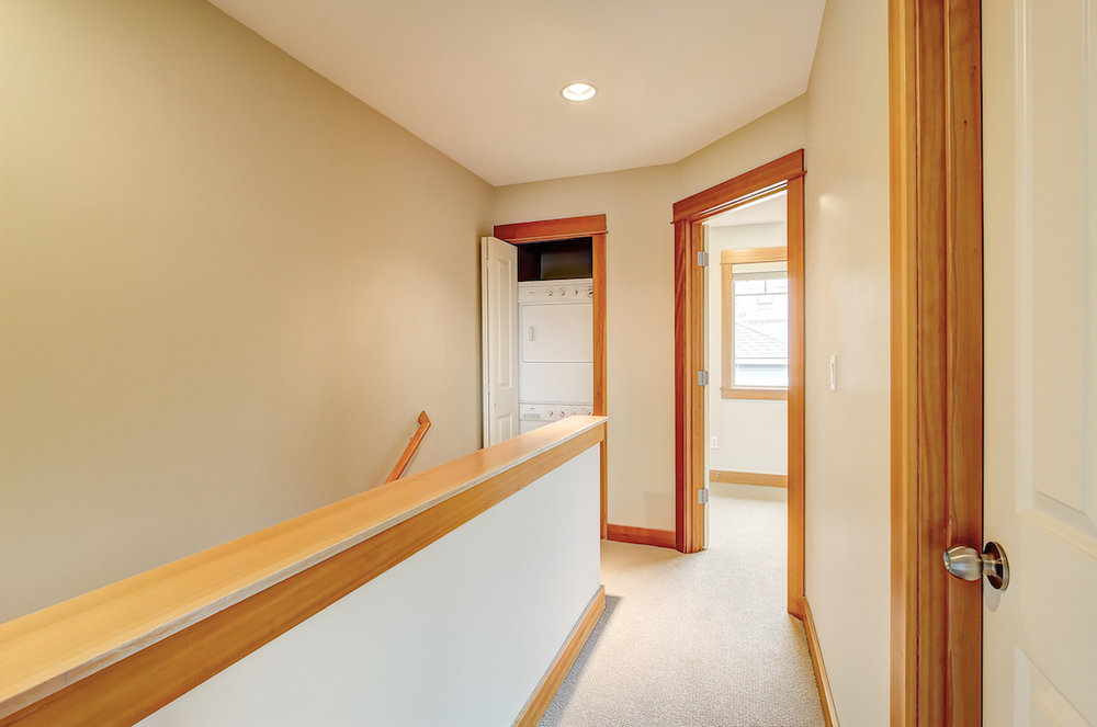 6051 Fauntleroy Way SW-5.jpg