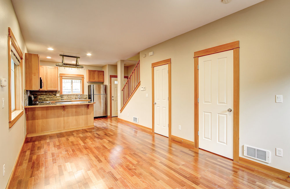 6051 Fauntleroy Way SW-11.jpg