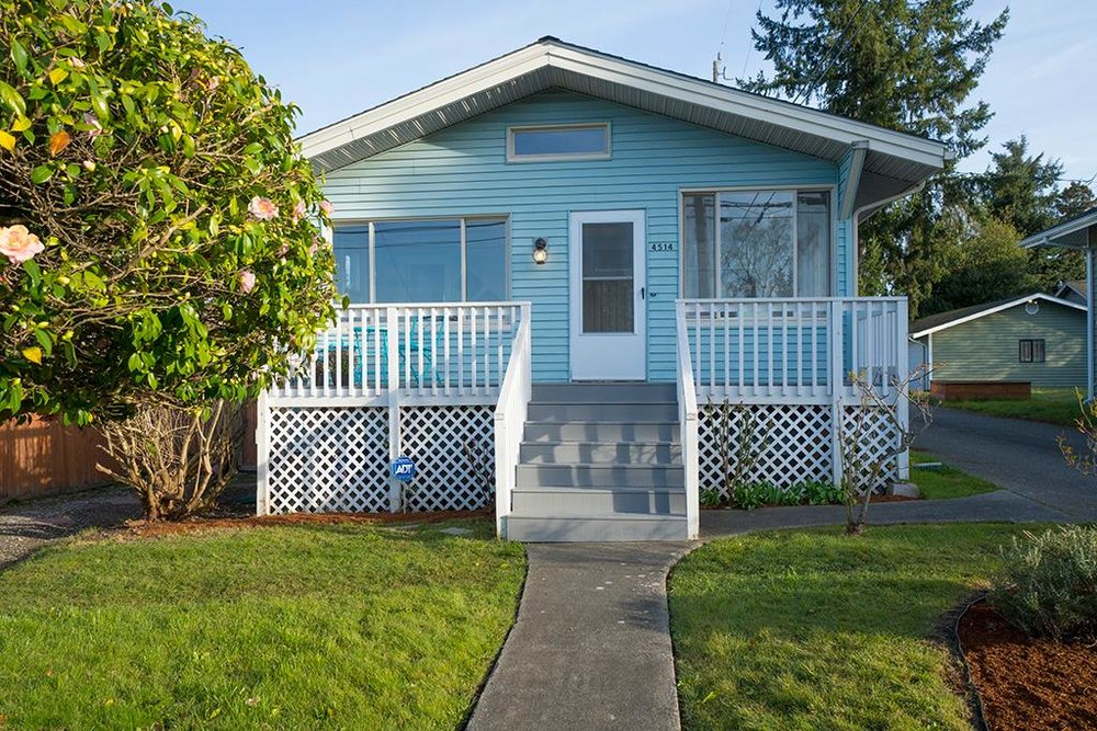 WEST SEATTLE LISTING WITH 12 OFFERS! LISTED: $515,000 SOLD: $660,00