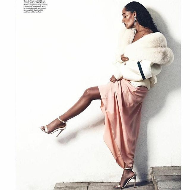Because Women are effortlessly powerful💥 #muse #life  #rp #Repost @traceeellisross ・・・ LEG UP ~ @modernluxury november 2017 . . #potd#ootd#blackgirlmagic#power#woman#crush#goals