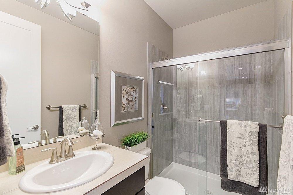 5967 Bath2.jpg