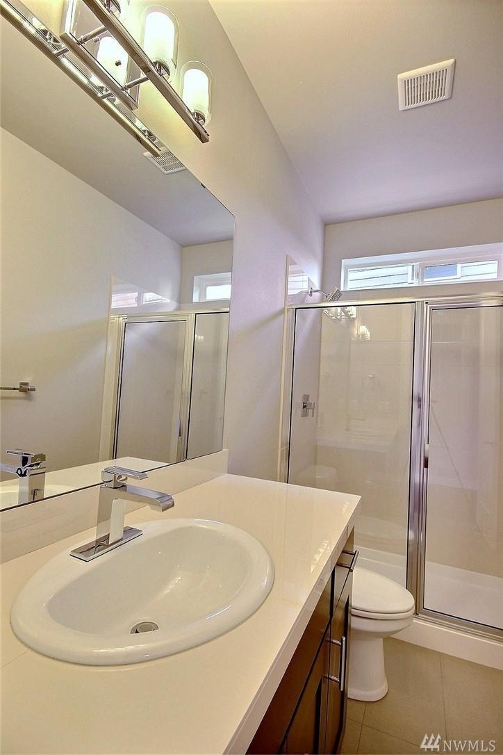8402 Bath.jpg
