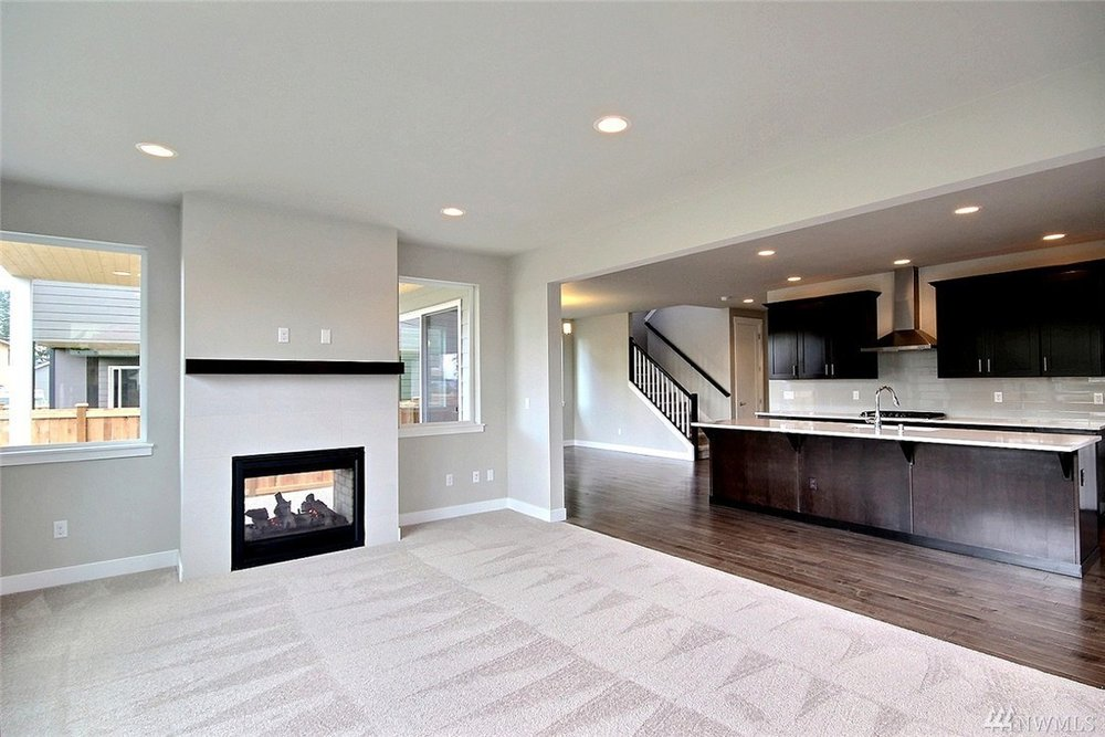 8402 Living-Kitchen.jpg