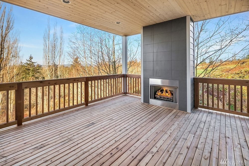 6012 Cover patio with fireplace.jpg