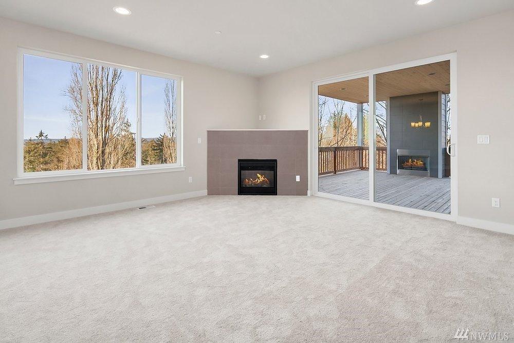 6012 Living room.jpg
