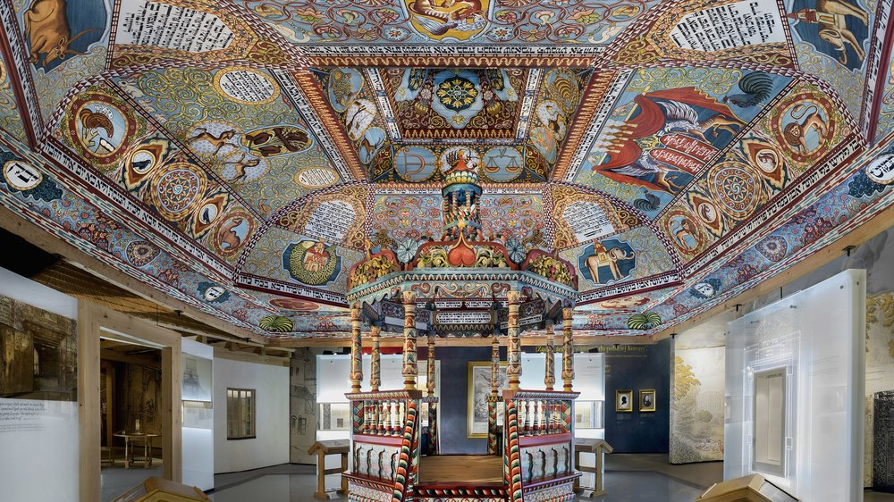 The Gwozdziec Synagogue ceiling recreated in the Polin Museum.
