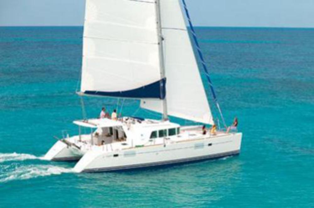 © Te Mana Travels — Catamaran sailing