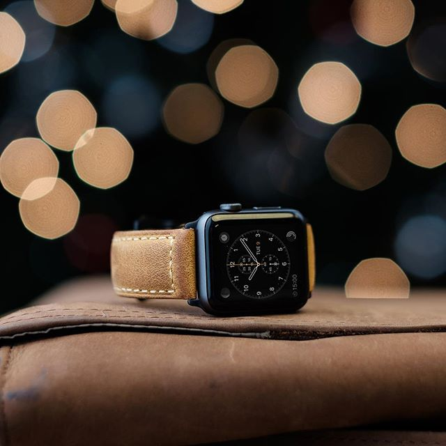 Ho ho ho! It's beginning to look a lot like Christmas 🎅 Does your Apple Watch deserve a treat? #applewatchband #watches #apple #applewatch #style #christmas #strapple