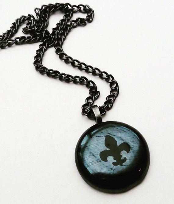 #fusedglass #glasspendants #blackglass #fleurdelis #glassjewellery #blackjewellery #goth #handmade