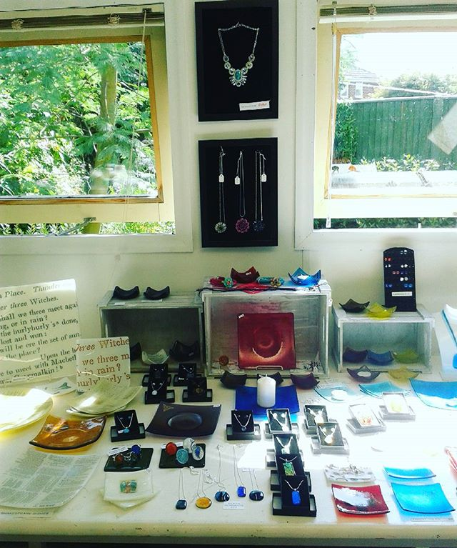 Day 8 of Hampshire Open Studios.  Come and visit, everyone! We have cake!  #hampshireopenstudios #hampshire #romsey #handmade #fusedglass #jewellery