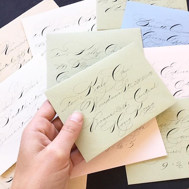 Mail day!! 💌💌💌 Sending out my little alphabet cards. Man, that was a fun exercise! Also, Spence envelope addressing is hard. 😅 #theseweregoodpractice #spencerian #ornamentalpenmanship #calligraphy #envelopeaddressing #longlivesnailmail #iampeth #calligraphymasters #zanerian