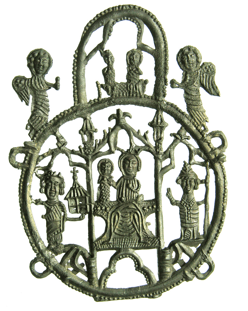 Afbeelding 5: Insigne van Maria tussen Karel de Grote en een bisschop, boven: kroning van Maria, Aken, gevonden in Dordrecht, lood-tin, 86 x 64 mm, collectie Familie Van Beuningen, inv. 3609 (HP2 1374)