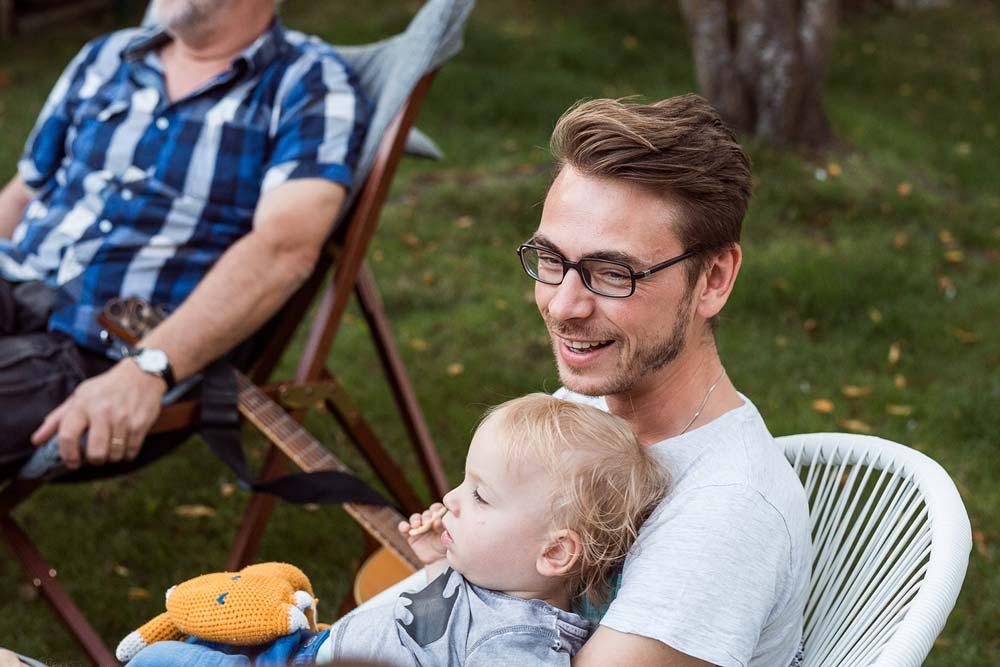 Het is heerlijk om bij broers en zussen te kunnen thuiskomen. Hier kunnen we lief en leed met elkaar delen, ons verdiepen in Gods woord en Hem prijzen met muziek. - — Tim & Griet