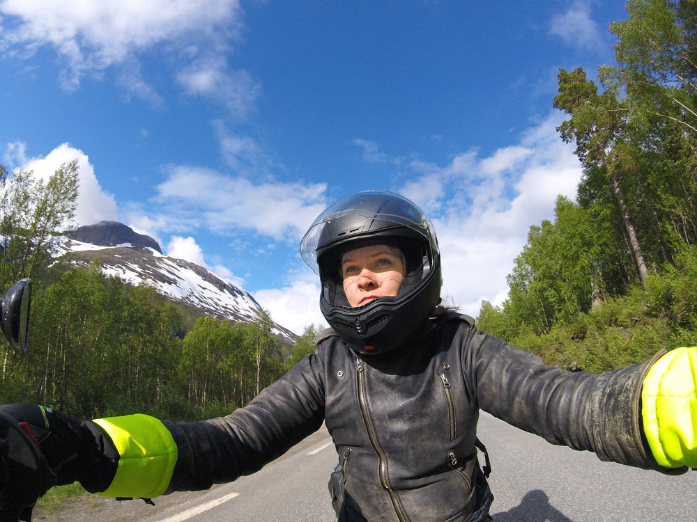 Descending into Norway with my new insulated gloves