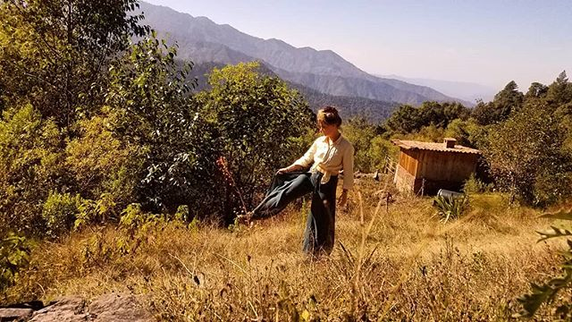 Becoming a little new-age while exloring the mountains of Oaxaca. 🕉🌲🔮 #linen