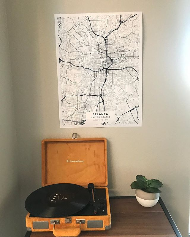 It's a bit close to Christmas, but don't we all shop late anyway? 🎁 I LOVE my map from @mapiful of my home, atl 🍑❤️ even in Austin, we've always got a little piece of Atlanta.