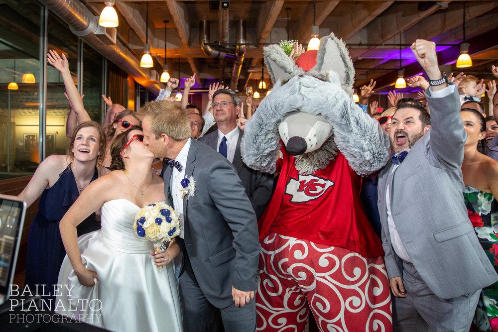 All Things Classic KC Wedding | Kansas City, MO