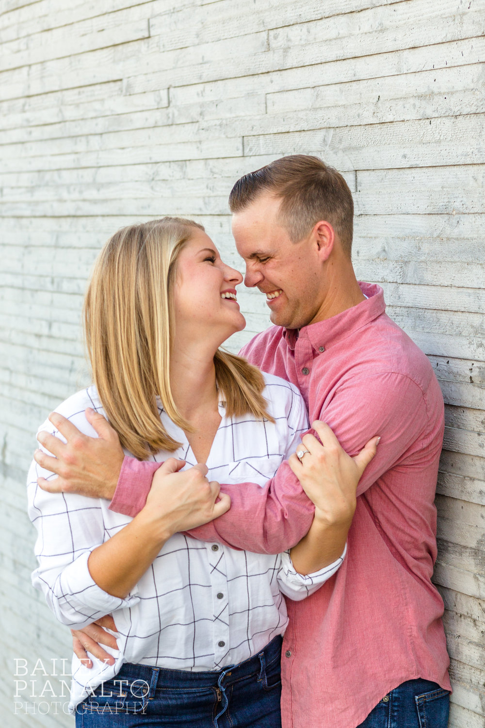 Classic Kansas City Summer Engagement Session | Nelson-Atkins Museum