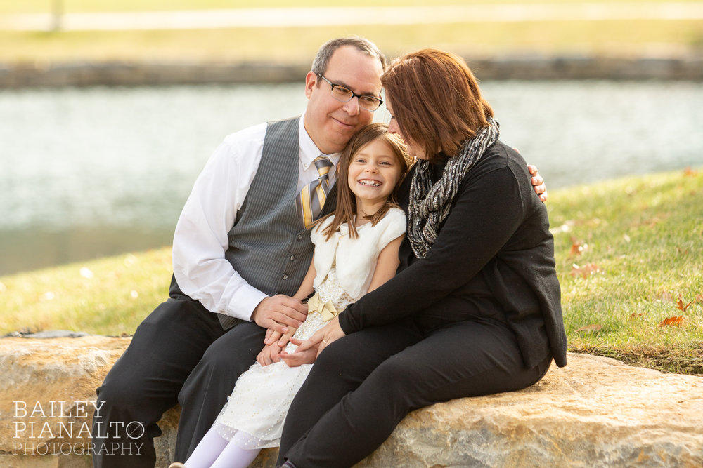 Gold & Gray Fall Family Photos | Kansas City, MO