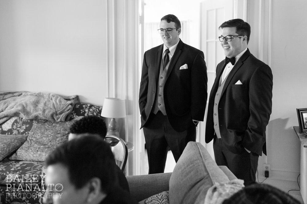 Classic Burgundy and Navy Winter Wedding | Kansas City, MO