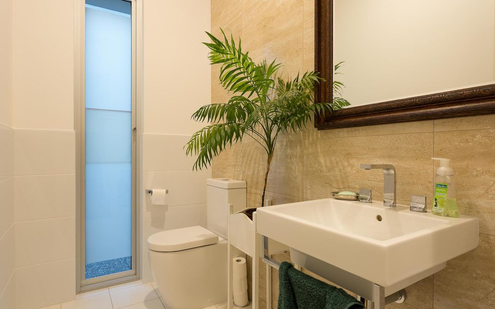 interiors-bathrooms-01.jpg