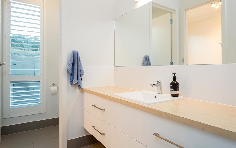 interiors-bathrooms-04.jpg