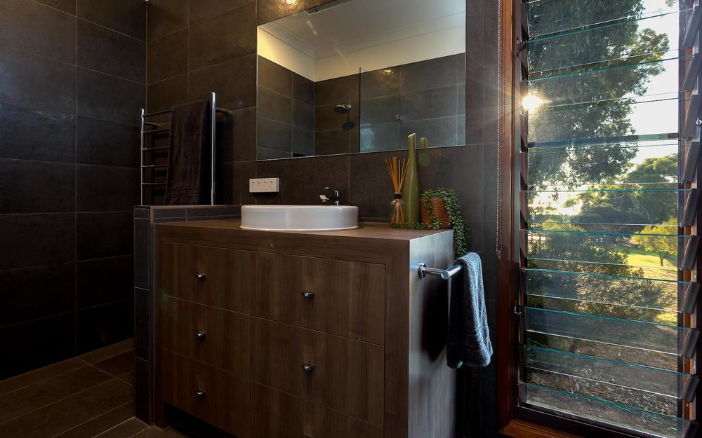 interiors-bathrooms-08.jpg