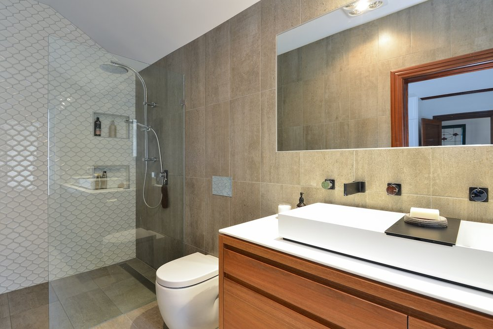 interiors-bathrooms-11.jpg