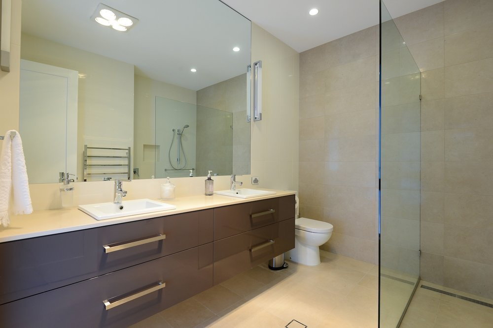 interiors-bathrooms-18.jpg