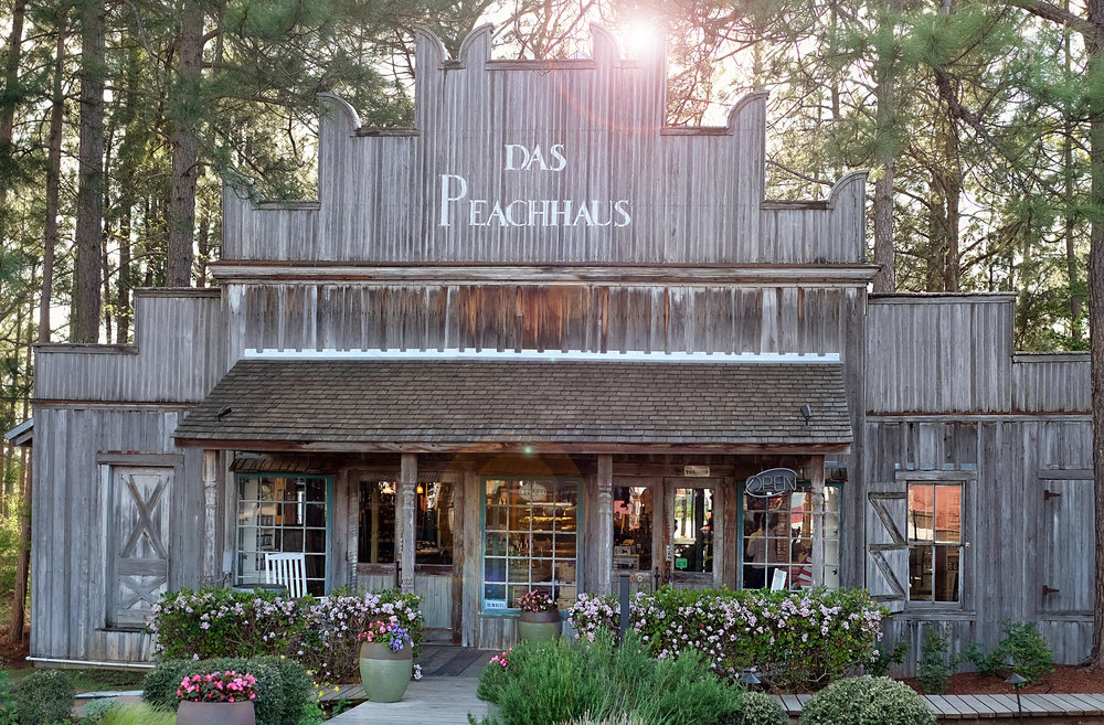 Das Peach Haus in Fredericksburg - Global Dish - Stephanie Arsenault
