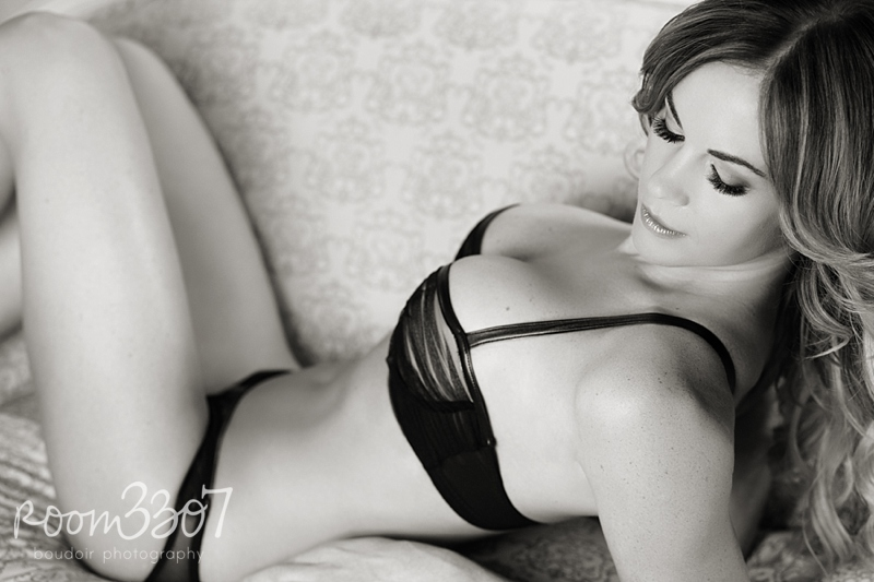 Black and white boudoir photo, black lingerie, Tampa boudoir photographers, LASCIVIOUS Mai Bra, Journelle lingerie