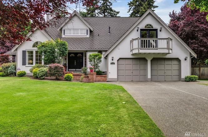 $900,000 | 18611 29th Ave SE, Bothell