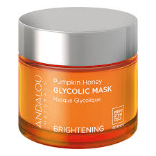 This mask combines pumpkin with fruit stem cells, vitamin C, and glycolic AHA blended with manuka honey to gently dissolve and sweep away dull, dry surface cells, exfoliate and resurface your skin, and banishes any scary dry skin!