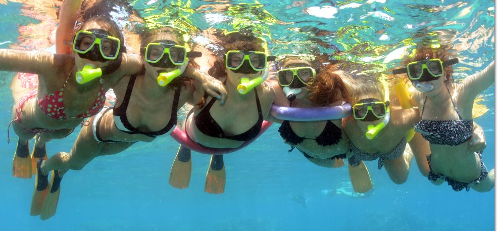 Island Diver Sudbury Cay - Everybody onboard Island Diver is a snorkeler $170