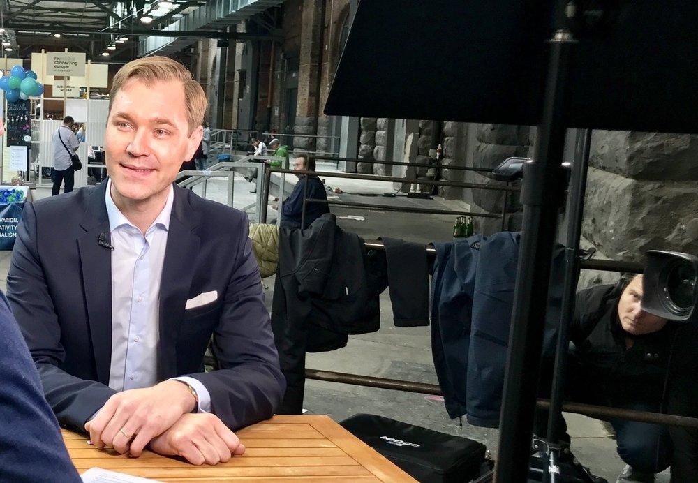 Deutschlandfunk: Analyse zur NRW Wahl - Interview und Analyse im Deutschlandradio Kultur, Studio 9 zum Ausgang der Landtagswahl in Nordrhein Westfalen. Hier zum Beitrag >>