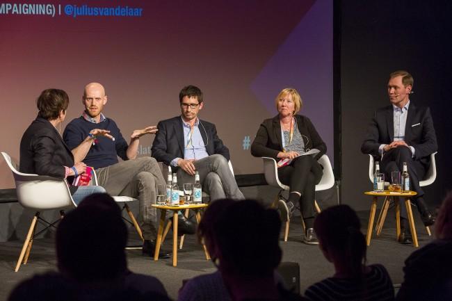 re:publica:Werden Wahlen im Netz entschieden? - Bots, Micro Targeting, Psychometrik – die Tools des digitalen Wahlkampfes sind auch in Deutschland angekommen. Welchen Einfluss haben sie auf die Wahlen in 2017? Hier zum Video der Diskussion >>