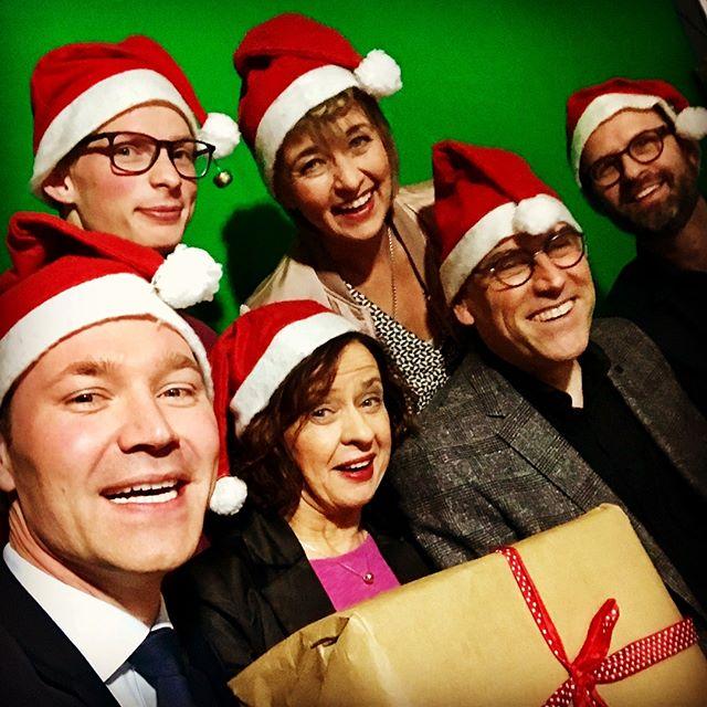 Hark! The herald angles sing 🎶🎄 #ARD #Weihnachtsfeier #Christmas #ARD #PhoenixRunde #hauptstadtstudio #ChristmasParty #phoenix