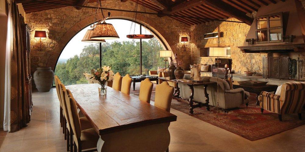 castello-di-casole-la-fonte-living-room.jpg