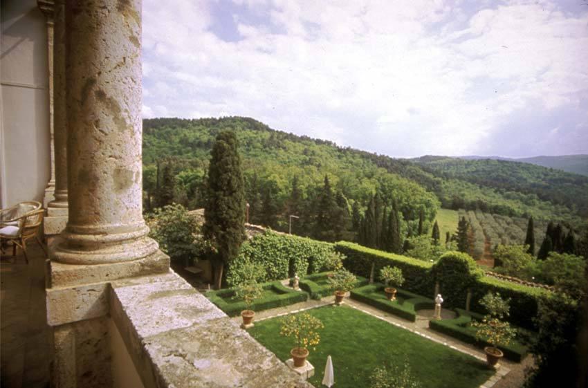 tuscany-venue-la-suvera-garden.jpg