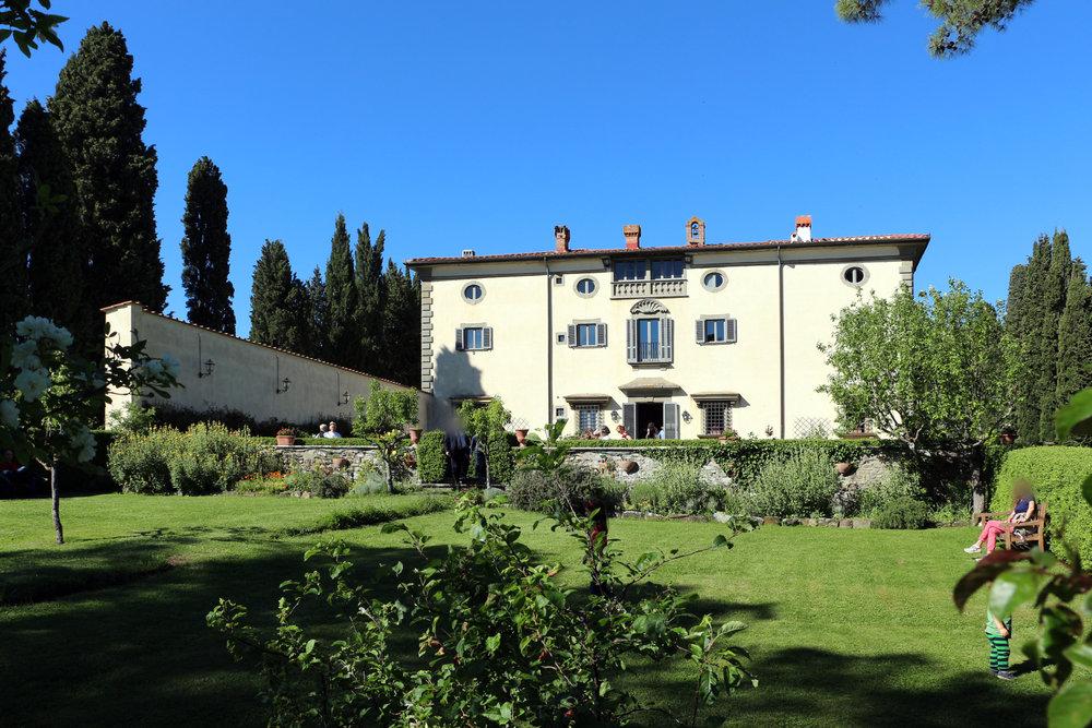 Villa_di_bivigliano,_retro_01.jpg